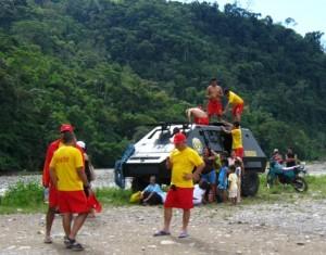 Equipo de salvavidas de la PNP