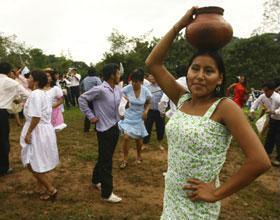 La alegría de la fiesta de San Juan ensombrecida por reclamos y protestas