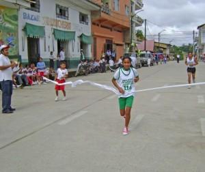 Entusiasta participación en la Maratón contra las drogas
