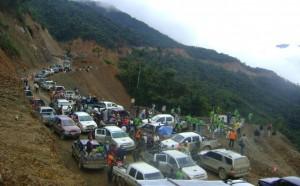 Caravana de 40 vehículos llegó hasta Cielo Punku para la inauguración.