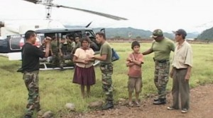 Pobladores recibieron recomendaciones por parte de soldados del Ejército.