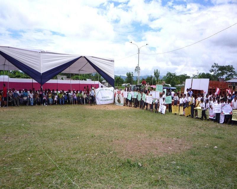 Toda la población  participó en importante inauguración